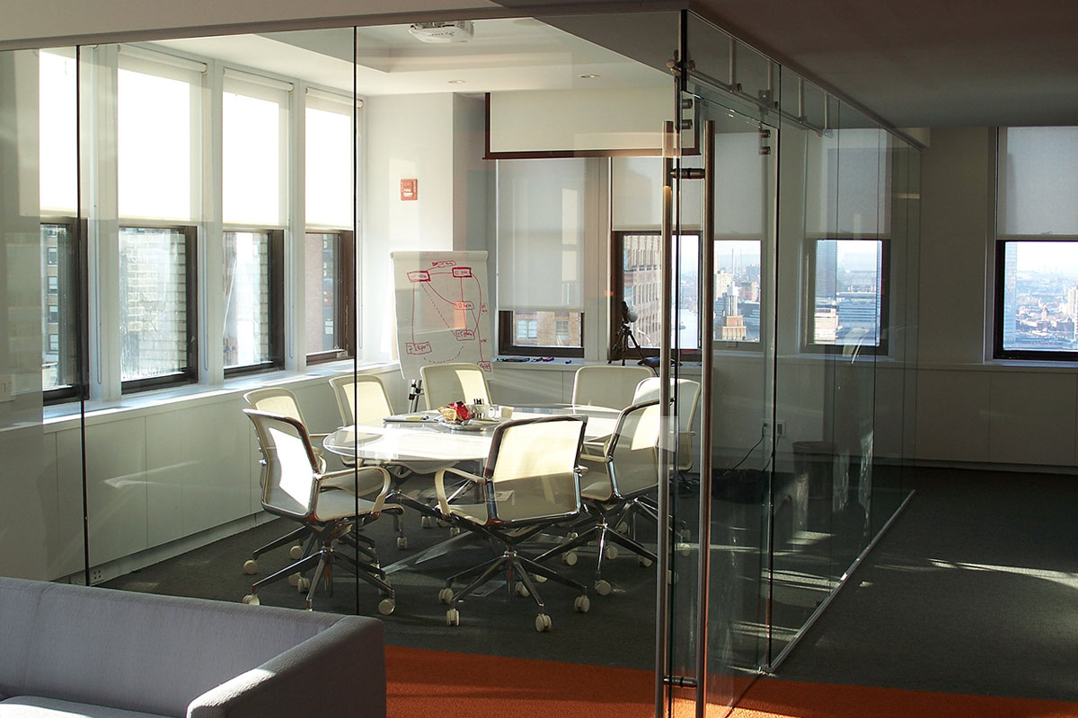 Single Glazed Frameless Glass Wall Partition Gallery 5