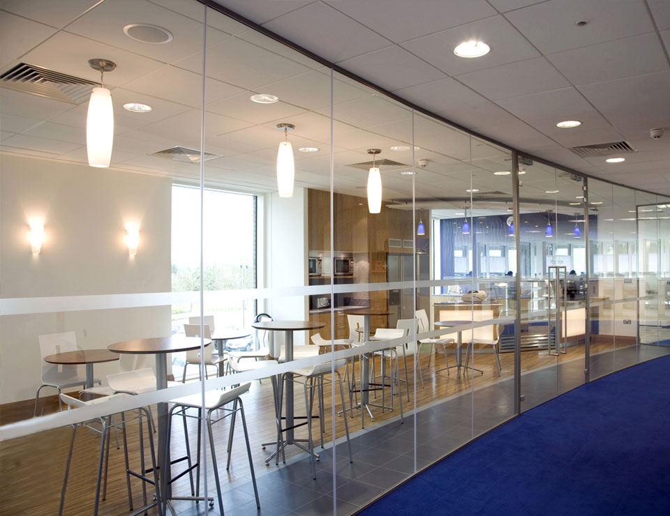 Single Glazed Frameless Glass Partitions & Walls | Avanti Systems USA