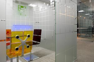 Freestanding Glass Wall Partition Gallery 10