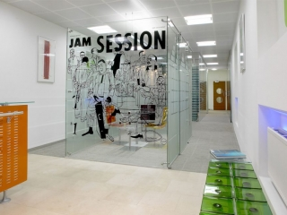 Freestanding Glass Wall Partition Gallery 4