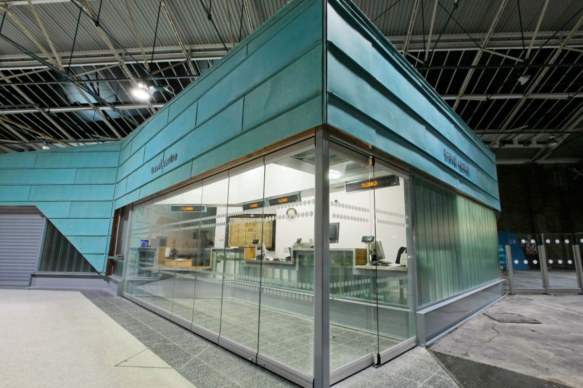 Movable Single Glazed Glass Wall