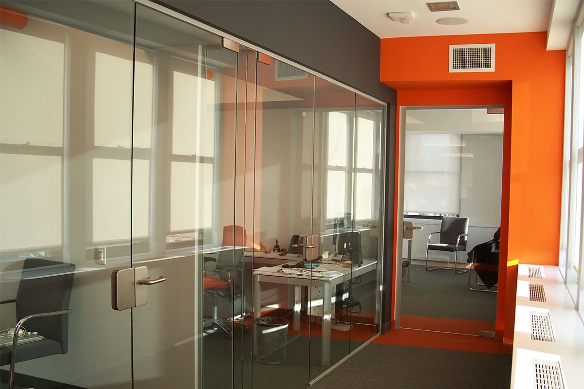 Pivot Frameless Swing Door Gallery 9