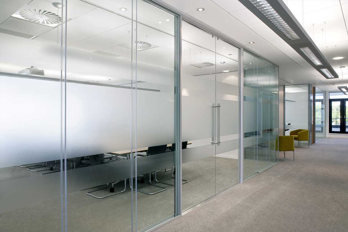 Hide away glass pocket doors avanti systems usa for Sliding glass wall systems