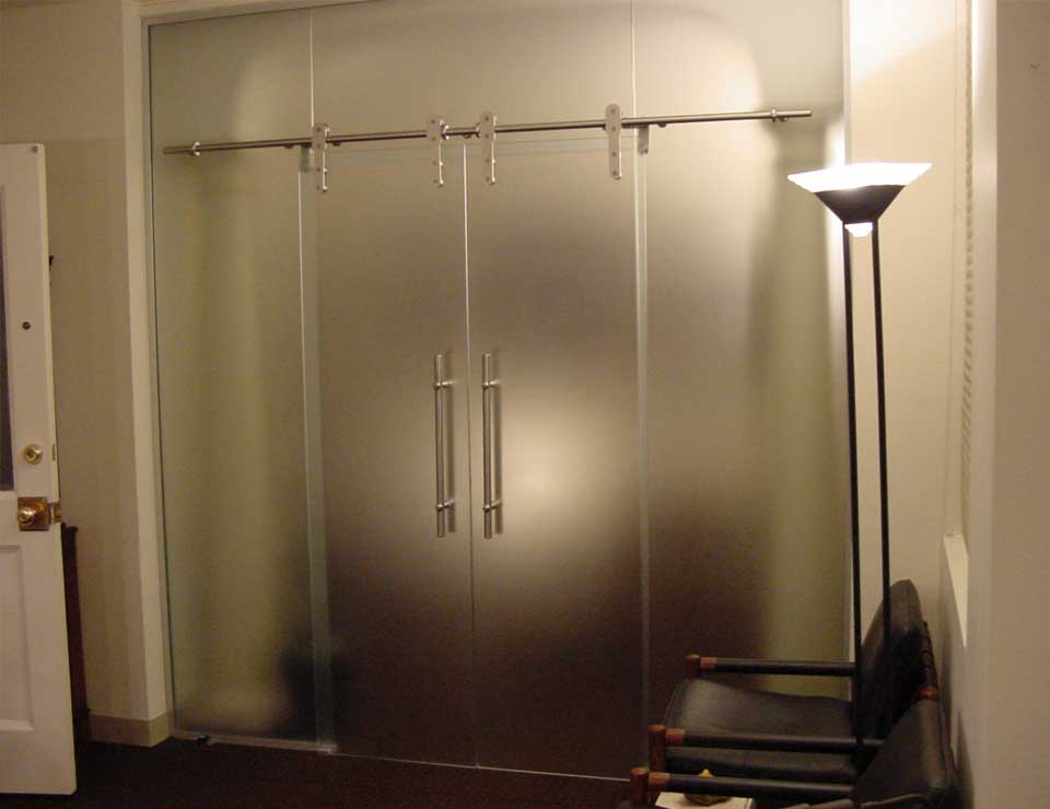 Rail sliding barn glass doors avanti systems usa for Glass sliding entrance doors