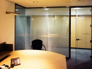 Acoustic Frameless Glass Wall Partition System Gallery 1
