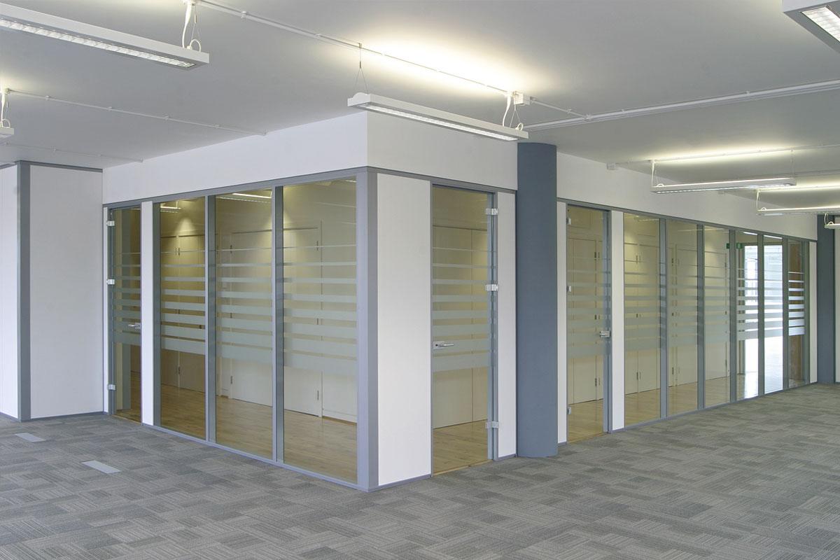 Transverso Modular Monoblock Glass Wall Gallery 7