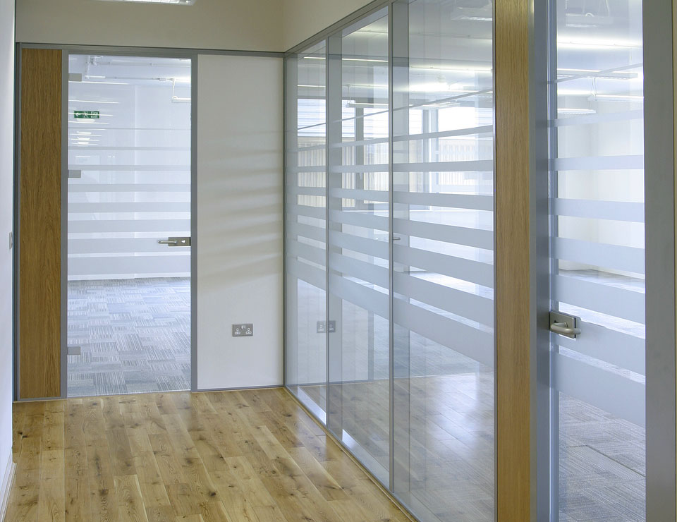 Transverso Modular Monoblock Glass Partition Slider 2