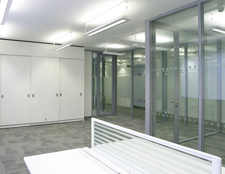 Transverso Modular Monoblock Glass Partition Slider 5