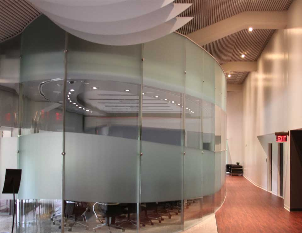 Mullion High Glass Wall Gallery 2