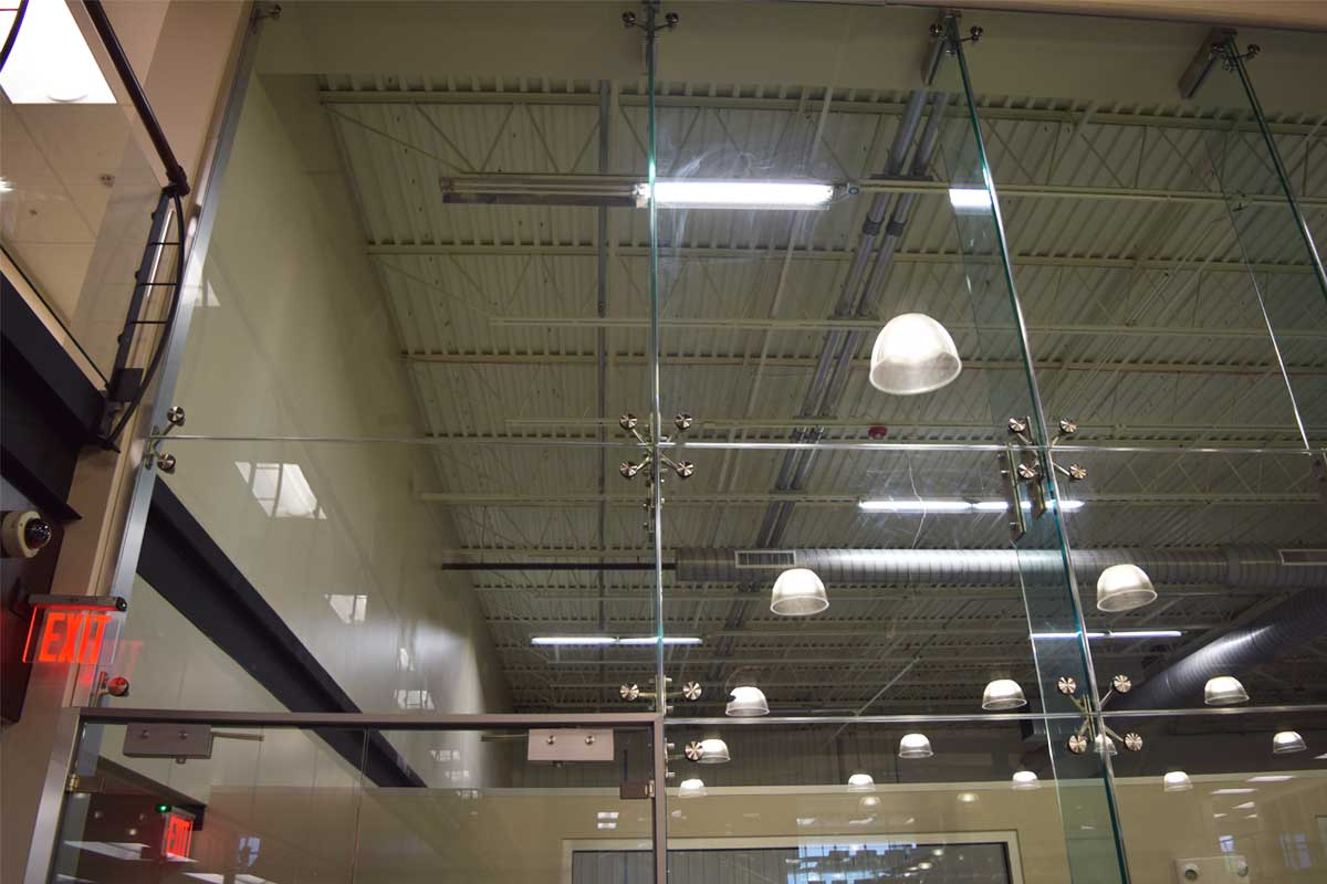Point Support Single Glazed High Glass Wall Slider 2