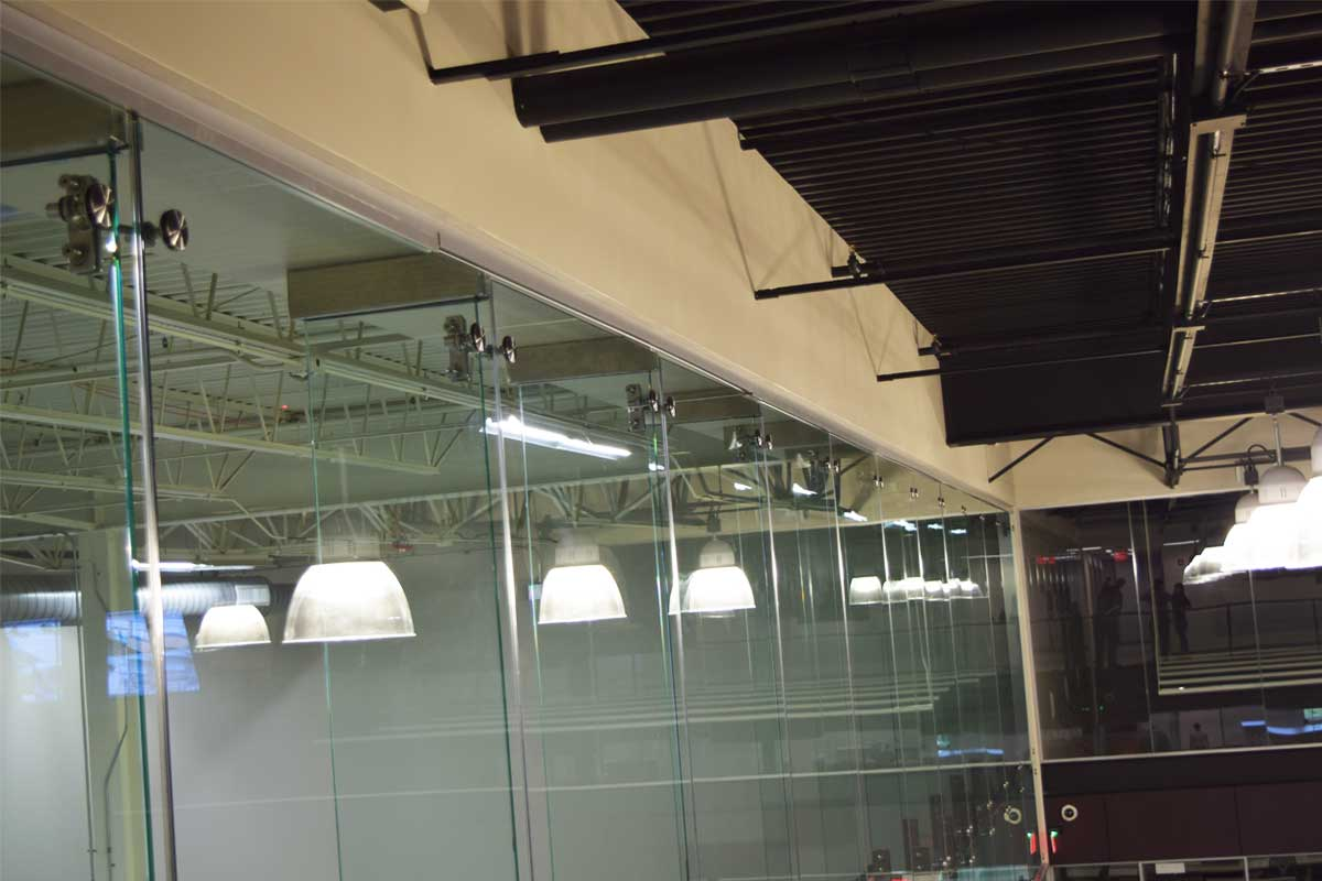 Point Support Single Glazed High Glass Wall Slider 5