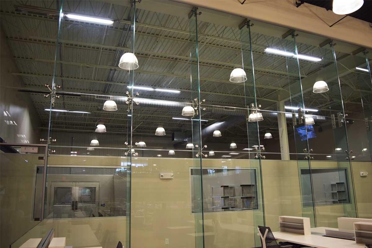 Point Support Single Glazed High Glass Wall Slider 6