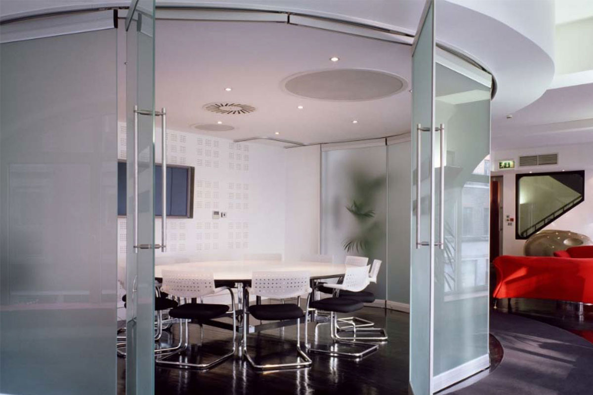 Placement of Accordion Glass Wall