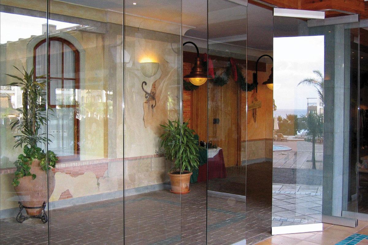 Single or Double Glazed Accordion Glass Wall