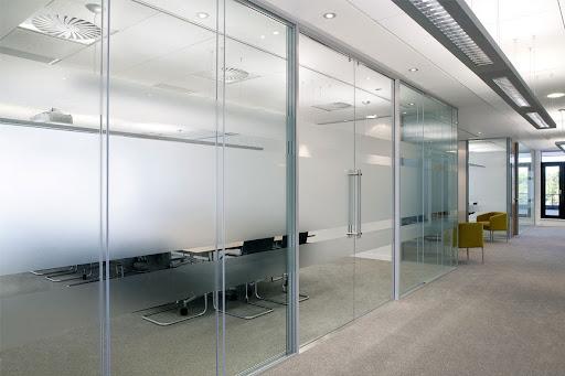 7 Stunning Aluminum Frame Glass Wall Design Ideas